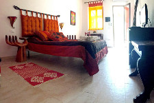 stanza rossa bed and breakfast room shanti vieste